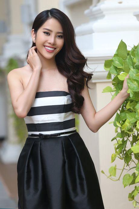 Top 8 Miss Earth Nam Em vai tran quyen ru - Anh 4