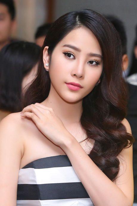 Top 8 Miss Earth Nam Em vai tran quyen ru - Anh 5