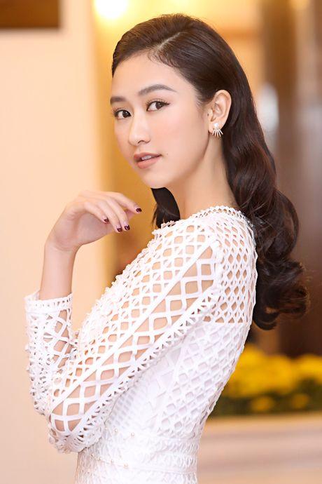 Top 8 Miss Earth Nam Em vai tran quyen ru - Anh 9