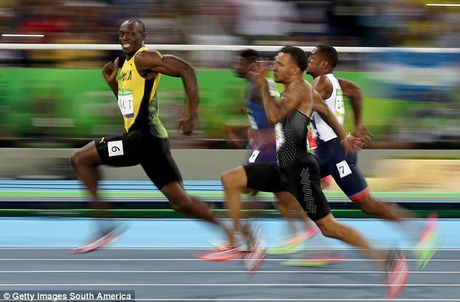 Usain Bolt va giac mo gia nhap bay Quy do - Anh 2