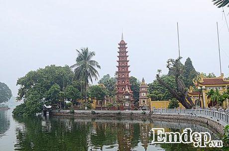 Ngay Ram ghe tham mot trong nhung ngoi chua dep nhat the gioi tai Viet Nam - Anh 1
