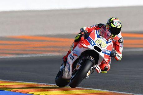 Valencia - nhung loi chia tay sau mua giai MotoGP 2016 - Anh 4
