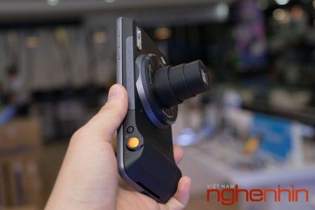 Tren tay loat module may anh, may chieu 'hang doc' cho Moto Z - Anh 10