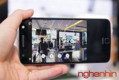Tren tay loat module may anh, may chieu 'hang doc' cho Moto Z - Anh 11