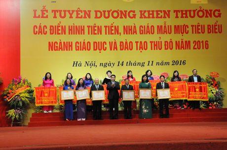 Nganh GDDT Ha Noi: Tuyen duong hon 700 dien hinh tien tien - Anh 1