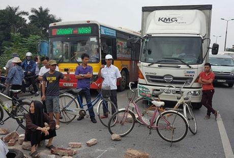So GTVT Ha Noi se kien nghi xay cau vuot o duong Vo Van Kiet - Anh 1