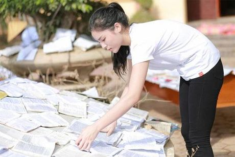 Hoa hau Ky Duyen rang ro don sinh nhat tuoi 20 - Anh 6