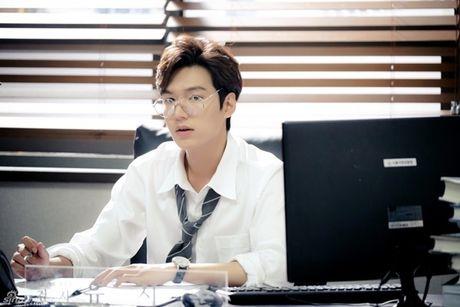 Ly do khien 'bom tan' cua Lee Min Ho va Jun Ji Hyun vuot qua 'Hau due mat troi' - Anh 5