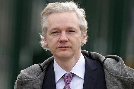 Nha sang lap WikiLeaks bi tham van tai Dai su quan Ecuador o London - Anh 1