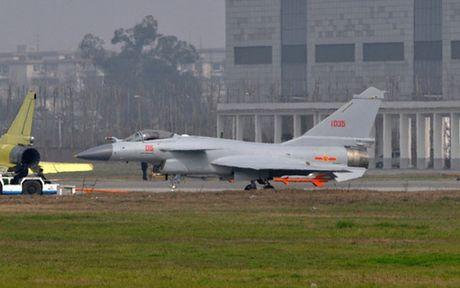Truyen thong Trung Quoc do loi cho Nga vu nu phi cong J-10 tu nan - Anh 1