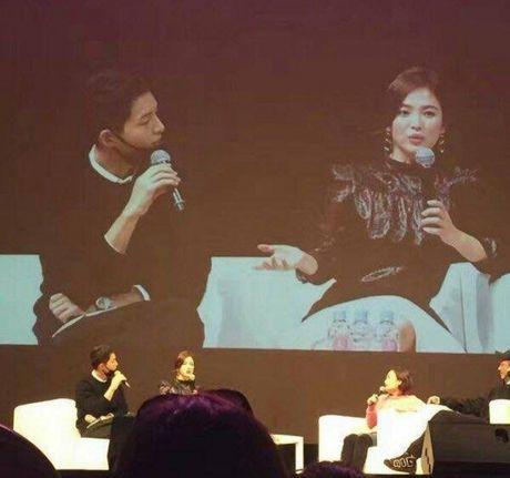 Tin duoc khong: Song Hye Kyo biet uong ruou la do Song Joong Ki day! - Anh 3