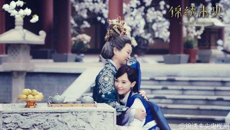 Duong Yen dien xuat tien bo, 'Cam Tu Vi Uong' gay tranh cai nhung van thu ve rating 'khung' - Anh 10
