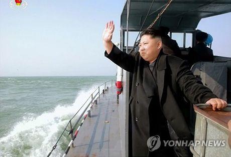 Ong Kim Jong-un thi sat bien gioi, Han Quoc voi tang cuong phong ngu - Anh 1