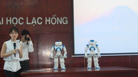 Dong Nai: Dua robot vao phuc vu giang day - Anh 1