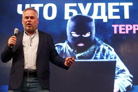 Kaspersky: 'Microsoft canh tranh khong lanh manh' - Anh 1