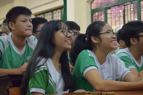 Buoi hoc GDCD 3 tieng khong mot hoc tro ngu gat - Anh 3