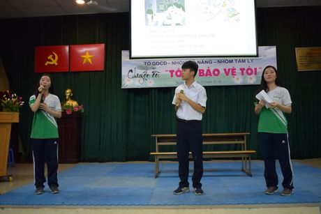 Buoi hoc GDCD 3 tieng khong mot hoc tro ngu gat - Anh 9
