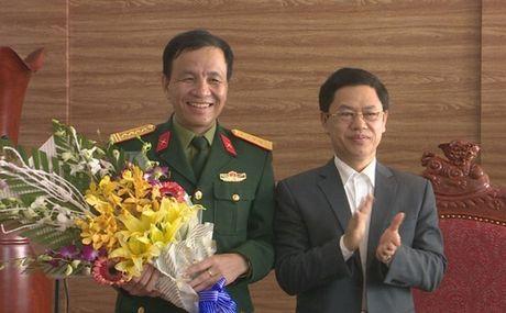 Bo nhiem tan Pho Tu lenh Quan khu 4 - Anh 1