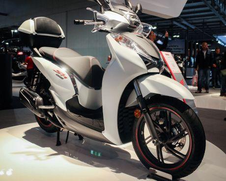 Honda SH 300i 2017 them mau the thao - Anh 3