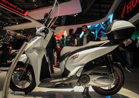 Honda SH 300i 2017 them mau the thao - Anh 4