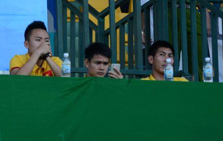 HLV Huu Thang co ly khi bo Huy Toan, giu Phi Son - Anh 1