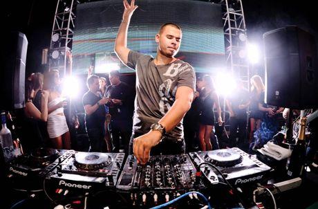 Top 10 DJ the gioi den Viet Nam bieu dien cung Toc Tien - Anh 1
