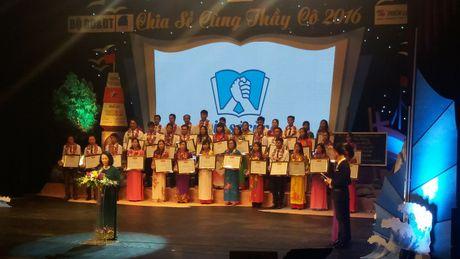 Chia se thay co 2016: Nhung cau chuyen xuc dong dua con chu toi dao xa - Anh 2