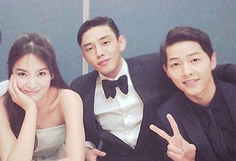 Fan ban loan vi Song Joong Ki tinh tu nam tay Song Hye Kyo - Anh 4