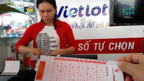 Vietlott bi to sai pham, Bo Tai chinh yeu cau chan chinh ban ve so - Anh 1