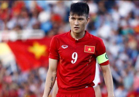 Soc: HLV Huu Thang loai Cong Vinh khoi danh sach DTVN - Anh 1