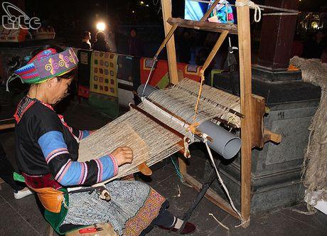Khai mac Khong gian van hoa dan toc Mong Ha Giang tai Ha Noi - Anh 5