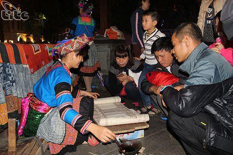 Khai mac Khong gian van hoa dan toc Mong Ha Giang tai Ha Noi - Anh 6