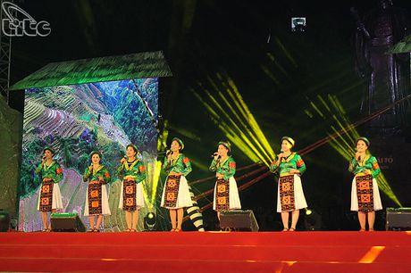 Khai mac Khong gian van hoa dan toc Mong Ha Giang tai Ha Noi - Anh 8