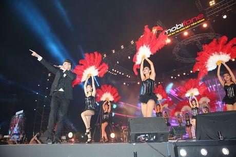 Noo Phuoc Thinh hat lien 3 tieng, live concert thu hut 2 trieu luot xem - Anh 6