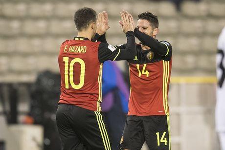 Ronaldo lap cu dup giup Bo Dao Nha dai thang, Bi huy diet Estonia - Anh 10