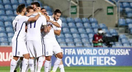 Ronaldo lap cu dup giup Bo Dao Nha dai thang, Bi huy diet Estonia - Anh 7