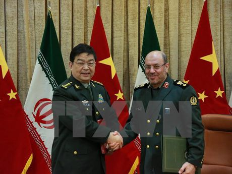 Iran va Trung Quoc nhat tri tang cuong trao doi quan su - Anh 1