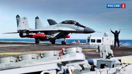 Chua kip giang don, MiG-29K Nga da roi o Dia Trung Hai - Anh 2