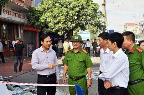 Can canh rui tan sau vu chay loat nha lien ke o Quang Ninh - Anh 8