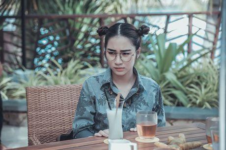 Hoa Minzy 'ba dao' trong phim kinh di dau tay - Anh 1