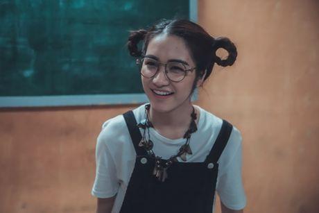 Hoa Minzy 'ba dao' trong phim kinh di dau tay - Anh 3