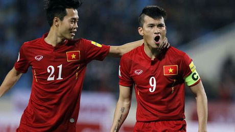 10 chan sut hay nhat cap DTQG: Cong Vinh sanh vai cung Ronaldo, Messi - Anh 4