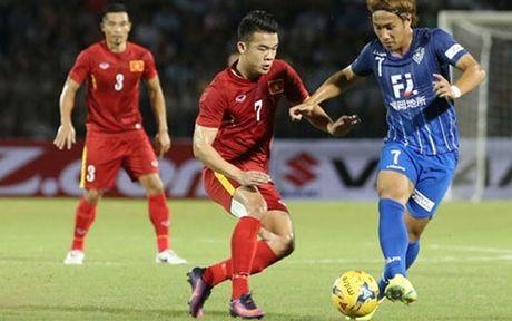 Sau AFF Cup 2016, Van Toan – Hoang Thinh sang Nhat thi dau? - Anh 1