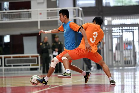 DT futsal Viet Nam doi dau DT futsal Trung Quoc tai giai Tu hung - Anh 1
