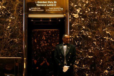 Hoat dong ben trong toa Thap Trump o New York - Anh 15