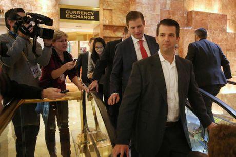 Hoat dong ben trong toa Thap Trump o New York - Anh 5