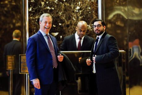 Hoat dong ben trong toa Thap Trump o New York - Anh 9