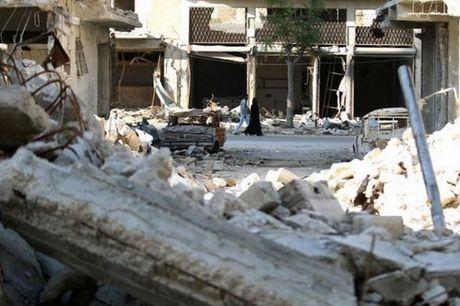 Thua mat mat, phe noi day Syria quay ra can xe lan nhau - Anh 1