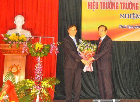 Dai hoc Thai Nguyen bo nhiem Hieu truong Truong DH Ky thuat Cong nghiep - Anh 1