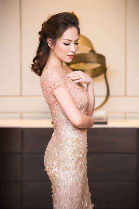 Hong Nhung, Le Quyen do sac Thuy Van, Dan Le voi vay ao goi cam - Anh 10